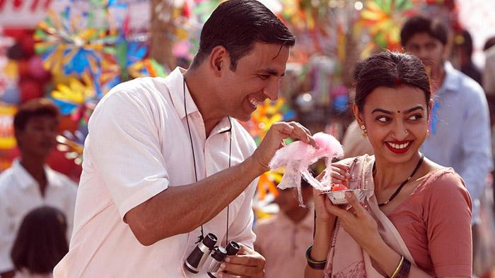 5a3a27543d32b_here-comes-the-first-song-aaj-se-teri-from-akshay-kumar-s-padman